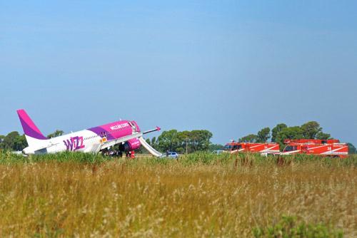 Самолет a320 лоу кост авиакомпании wizz air