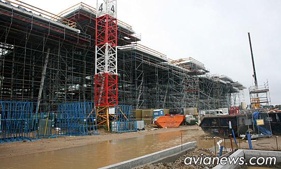 Высота крыши нового терминала 19